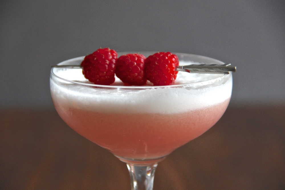 The Pink Lady // A fresh cocktail with lemon, raspberries, and gin // The Shared Sip
