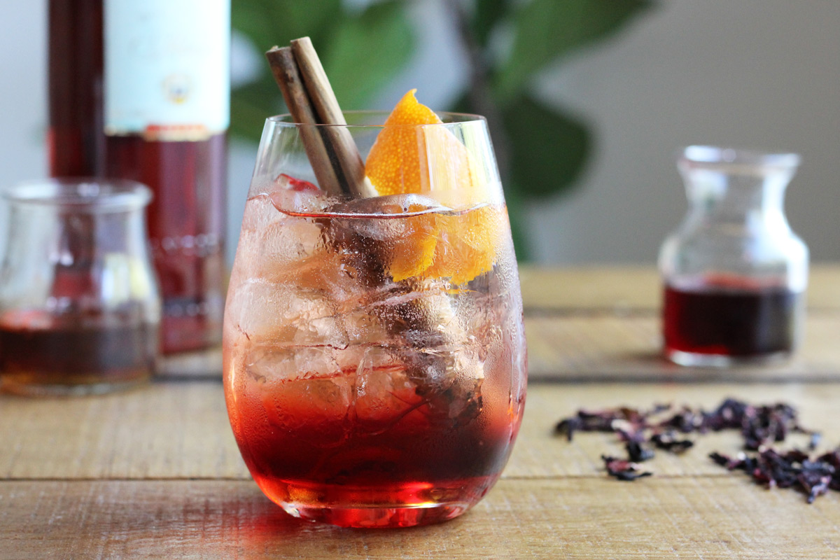 Cinnamon + Hibiscus Campari Spritz // A fall variation of a classic spritz cocktail with cinnamon, hibiscus, and rosé // The Shared Sip