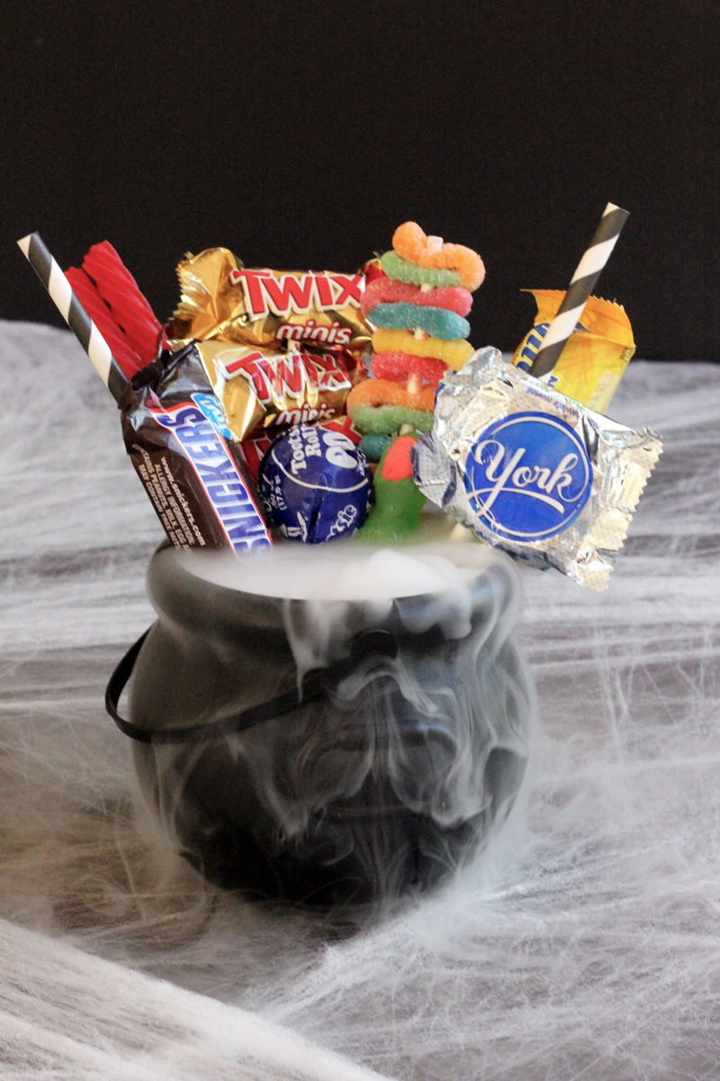 Halloween Fishbowl Cauldron for 2 // A cauldron filled with Halloween candy and your favorite cocktail — perfect for sharing! //The Shared Sip